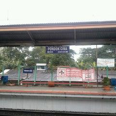 Photo taken at Stasiun Pondok Cina by Taurusa M. on 2/23/2013