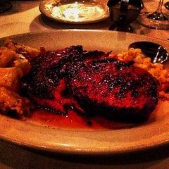 Photo taken at Morton's Steakhouse by Jon K. on 12/23/2013