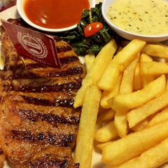 Photo taken at SteakHotel by Holycow! by Rani R. on 3/29/2015
