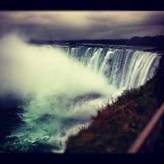 Photo taken at Niagara Falls (Canadian Side) by Yeipí J. on 11/9/2012