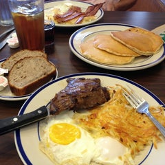 Photo taken at Bob Evans Restaurant by Craig W. on 8/14/2013
