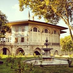 Photo taken at Topkapı Sarayı by Muzaffer G. on 7/23/2013