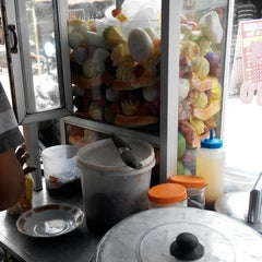 Photo taken at Rujak Es Krim - Lotis (Pasar Bantengan) by bRoto Joyo L. on 11/15/2014