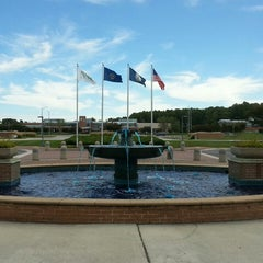 Photo taken at Old Dominion University Higher Education Center VAB by cris r. on 9/30/2013