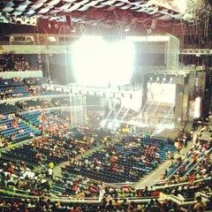 Photo taken at SMART Araneta Coliseum by Edz A. on 5/17/2013