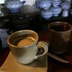 Photo taken at กาแฟฮูย่า (Coffee HooYa) by DJ John on 10/10/2015