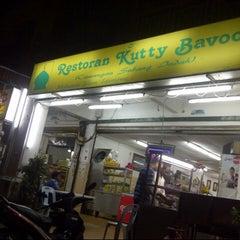 Photo taken at Restoran Kuty Bavoo by Hai K. on 12/25/2013
