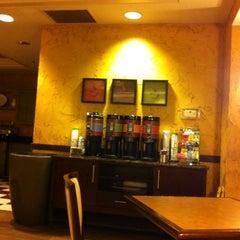 Photo taken at Hampton Inn Ft Lauderdale Airport North by Ana Paula L. on 12/7/2012