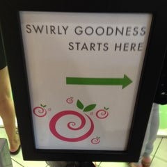 Photo taken at Pinkberry by Alicia R. on 5/9/2014