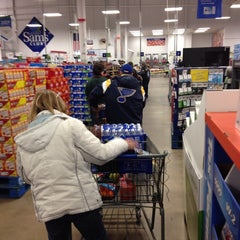 Photo taken at Sam's Club by Les H. on 1/4/2014