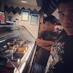 Photo taken at Foodland by Jorelle P. on 1/20/2014