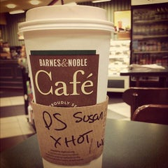 Photo taken at Barnes & Noble by Susie B. on 9/9/2015