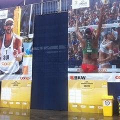 Das Foto wurde bei FIVB Gstaad Center Court von Elina V. am 7/9/2014 aufgenommen