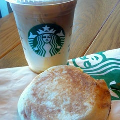 Photo taken at Starbucks by Valö B. on 10/12/2012