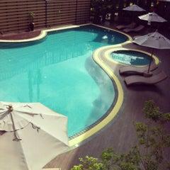 Photo taken at A-te' Hotel (โรงแรม เอเต้ ชุมพร) by Vipaporn V. on 12/3/2012