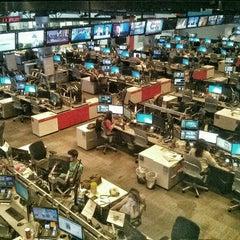 Photo taken at CNN Newsroom by Julian W. on 5/17/2015