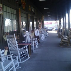 Photo taken at Cracker Barrel Old Country Store by Johnny S. on 2/7/2013