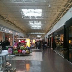 Photo taken at Chicago Ridge Mall by Kool K. on 1/13/2013