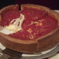 Photo taken at Giordano's by Rony B. on 5/25/2013
