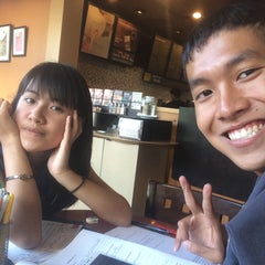 Photo taken at Starbucks (สตาร์บัคส์) by pywddddddddd on 9/13/2015