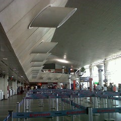 Photo taken at Aeroporto Internacional de Belém (BEL) by Ellen d. on 6/16/2013