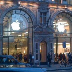 Photo taken at Apple Store, Regent Street by Juanan U. on 4/25/2013