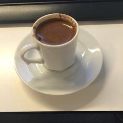 Photo taken at HSBC Genel Müdürlük by İpek on 8/31/2015