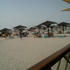 Photo taken at Beachcombers by Badr on 4/5/2013