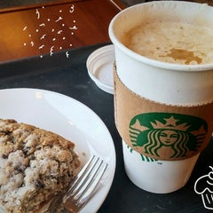 Photo taken at Starbucks by hyun-young C. on 12/30/2014