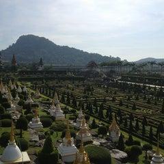 Photo taken at สวนนงนุช (Nong Nooch Garden & Resort) by Дмитрий Р. on 12/19/2012