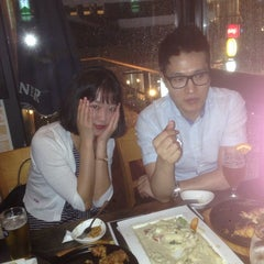 Photo taken at YELLOW PUB by Kyung-Soo L. on 7/25/2014