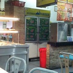 Photo taken at Restoran Fareed by faridatul zahara m. on 2/24/2013