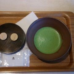 Photo taken at nana's green tea 東京スカイツリータウンソラマチ店 by Ryoko O. on 2/20/2015