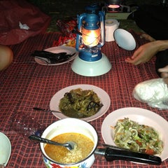 Photo taken at ภูชี้ฟ้า จังหวัดเชียงราย by ☯kangkeng❣ on 12/27/2012