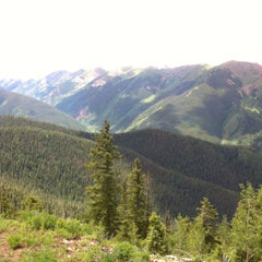 Photo taken at The Sundeck at Aspen Mountain by Sergey K. on 7/9/2015