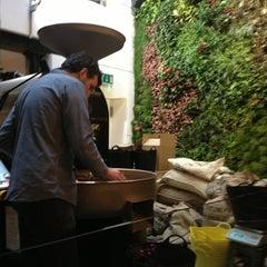 Photo taken at Workshop Coffee Co. by Nin L. on 2/1/2013