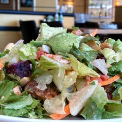 Photo taken at California Pizza Kitchen by Frank M. on 9/10/2014