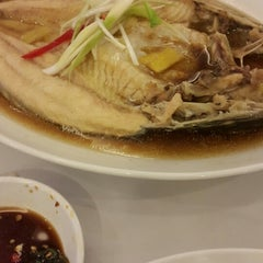 Photo taken at D'Cost Seafood by Dahlia K. on 8/12/2014