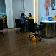 Photo taken at Galeri Indosat by Sylvia 'cetz' W. on 11/6/2015