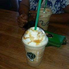 Photo taken at Starbucks by Jimena R. on 8/16/2015