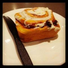 Photo taken at Starbucks by Asim I. on 1/20/2013