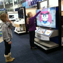 Photo taken at Best Buy by 👣👣Mary S. on 12/2/2012