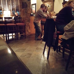 Photo taken at LongHorn Steakhouse by Michael O. on 12/5/2014