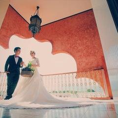 Photo taken at Sheik Istana Hotel by yoshirofoto on 11/9/2015