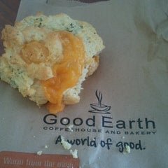 Photo taken at Good Earth Cafe by Roxanne P. on 3/20/2013