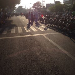 Photo taken at Alun - Alun Sragen by Ary R. on 10/3/2015