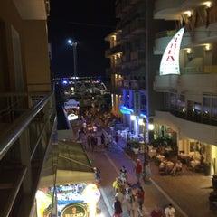 Foto scattata a Hotel Thea da Olga K. il 8/14/2015