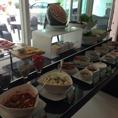 Photo taken at Amari Nova Suites Pattaya by Chanamon B. on 12/3/2014