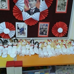 Photo taken at Remzi Zümrüt İlk Öğretim Okulu by Refiye A. on 1/7/2016