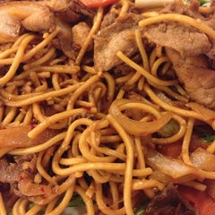 Photo taken at Golden Palace Mongolian BBQ by Olmmy S. on 3/24/2014